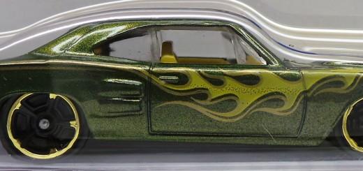 2014 212b Hot Wheels `69 Dodge Coronet Superbee